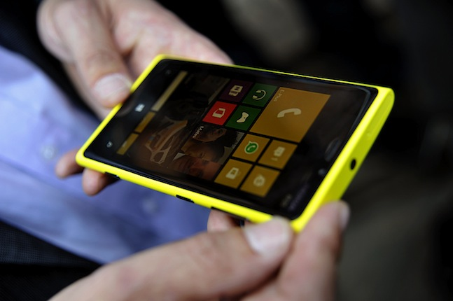 Nokia slips further - only has 17 percent market share